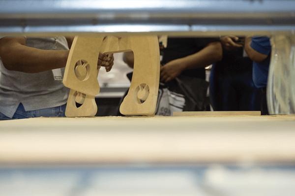 máquina-de-corte-láser-vs-procesos-manuales