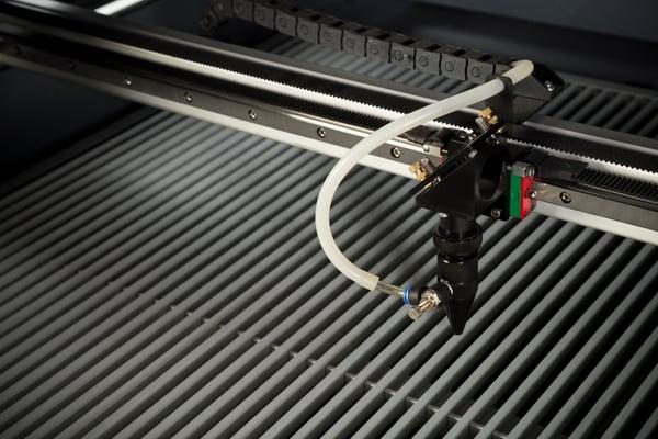 algunas-de-las-aplicaciones-que-puedes-obtener-con-una-cortadora-laser
