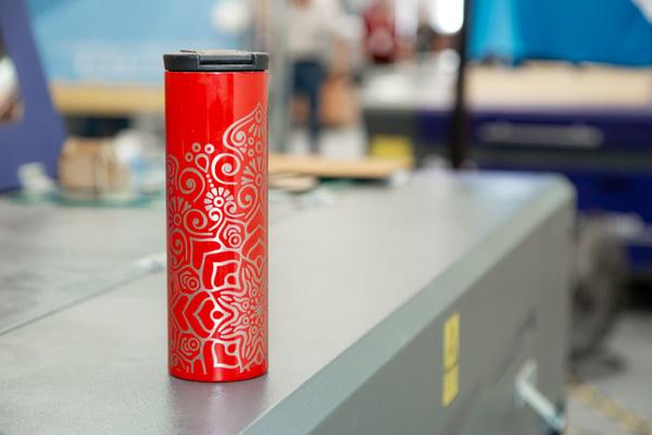 grabado-laser-los-mejores-tips-para-grabar-objetos-cilindricos